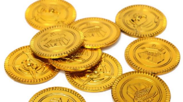 【IQ140レベル】13枚の金貨のうち、1枚が偽物です。天秤を3回だけ使って偽物を見つけるには?