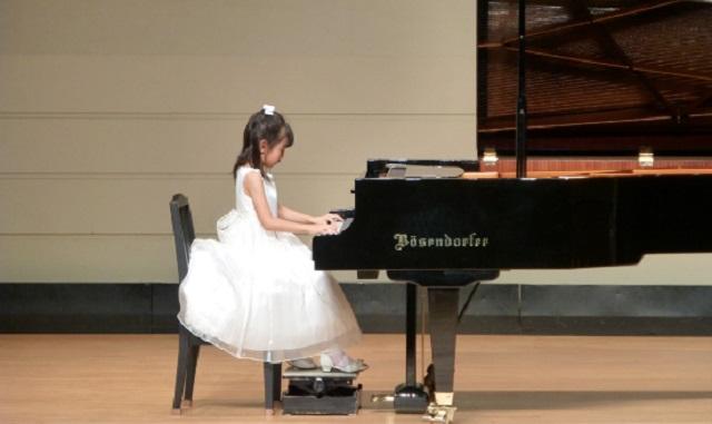 【驚愕】娘のピアノ発表会の為に義妹が作ってくれたドレスを、知らないママが持っていこうとした。⇒ 私「それうちのですよ」ママ『娘が着たいみたい...