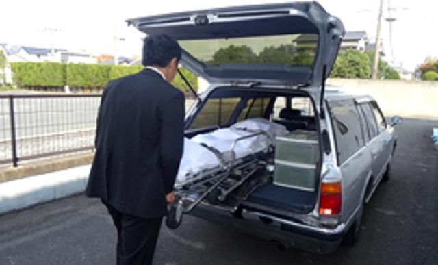 【衝撃】なぜ葬儀社の車から社名が消えたのか?そこには哀しみと憤りを感じる衝撃の理由が・・・