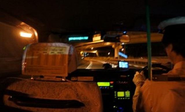 【スカッと】私「〇〇ホテルまで」タクシー運転手『知らんな~』私「…」運転手『わかんないって言ってんだけど』⇒ あまりにムカついたので行先変更...