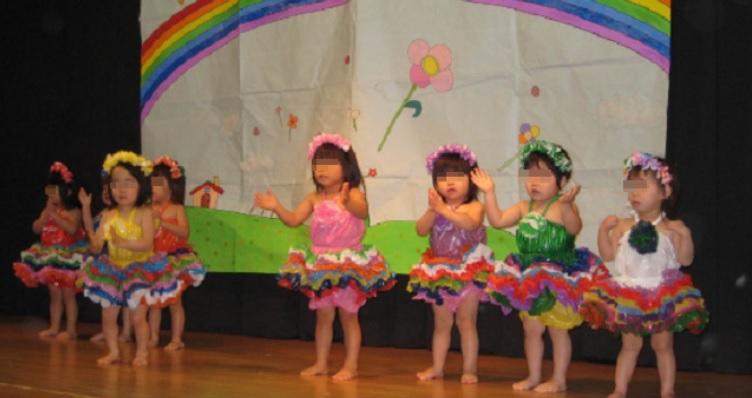 【スカッと】幼稚園の発表会で。消えたはずの娘の衣装で踊る泥子。ママ達「カワイイ~」泥ママ『フフン(ドヤ顔)』⇒ その後、娘の発表で泥ママ顔面...