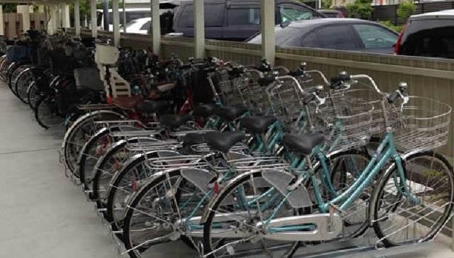 【驚愕】管理人さん「勝手に自転車を停めるのは不法侵入ですよ」不法駐輪親「許可を取ってる!」住人「へ?」⇒ 驚きの真相が・・・
