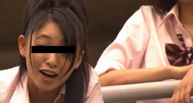 【衝撃】先生は椅子に座らされてて半泣きだった。女生徒「なんとか言えやゴルァ!」「人生終わっちゃいますねぇー、チョーお気の毒ですぅ」