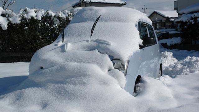 【豆知識】寒い地方では当たり前に見かける「寒冷地仕様」の自動車。普通のクルマと何が違う?