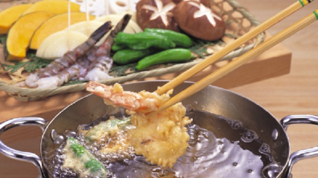 親戚の集まりで天ぷら作ろうとしてたら、メシマズ従姉が口出ししてきた。私「じゃそっちの家のはそっちで、ウチはウチで!」⇒ 結果・・・