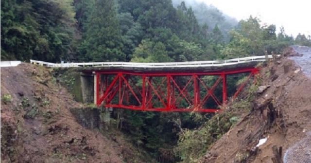 【驚愕】住人『撮り鉄が迷惑だから橋を撤去しよう』持ち主「そうしましょう」⇒ 数年後、住人『あれ?この車って…』とんでもない事になっていた