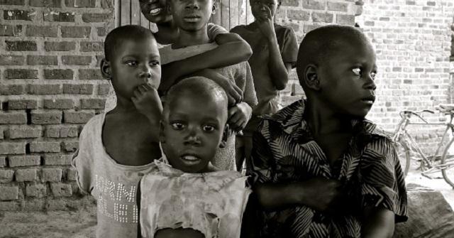 『世界がもし100人の村だったら』~世界の問題を身近に感じさせてくれる感動チェーンメール~