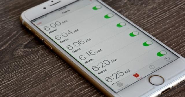 【衝撃事実】iPhoneのアラーム機能は、絶対に使用してはいけない!危険すぎるまさかの理由がコチラ・・・