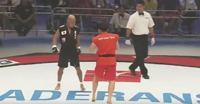 【勝負にならん】韓国テコンドーの選手をボコボコにした、日本人ボクサー「渡辺一久」が凄すぎる・・・【衝撃動画】
