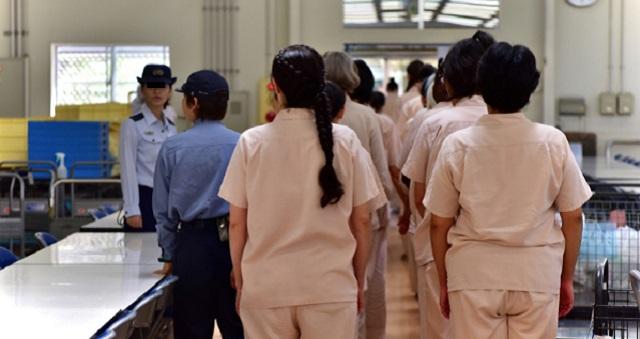 【マンガ動画】なかなか外で語られることのない女子刑務所内の実態を描いた漫画動画。その実態がエグ過ぎる…【日本最大 栃木収容所】