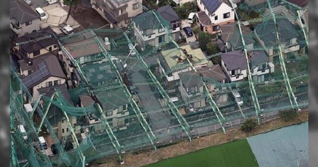 【驚愕】台風15号で倒壊したゴルフ練習場の鉄柱問題。報道されない現在の状況が・・・