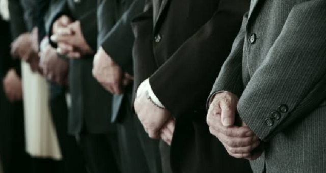 長男夫婦「財産は全て長男のもの!」次男「いいよ。その代わり今後一切かかわらないでくれ」→ 長男は親の遺産を全て手に入れ、全親族から縁を切られ...