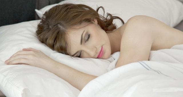 【驚愕】睡眠中に脳内で毒素の清掃作業が行われている様子の映像が公開!!睡眠不足の人、相当ヤバイかも・・・(※動画あり)