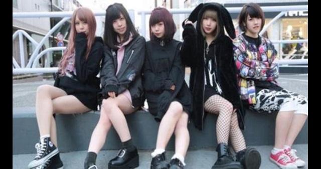 【衝撃】女子高生YoutuberユニットがCoCo壱番屋で「トッピング全部のせカレー」を注文!その結果は・・・