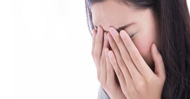 【驚愕】「白くて硬い涙」を流す謎の病に20年間苦しんできた女性・・・判明したその原因とは!?