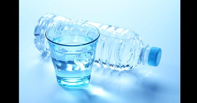 【朗報】熱中症予防にも!ミネラルウォーターと〇〇で体の免疫力を上げる魔法の水が簡単にできる!!