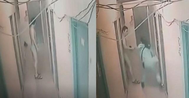 【衝撃映像】パンイチ姿で隣の部屋の女性を自分の部屋へ強引に引きずり込む男(※動画あり)