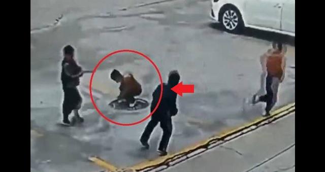 【衝撃映像】男の子、マンホールに爆竹を投げ入れた結果・・・