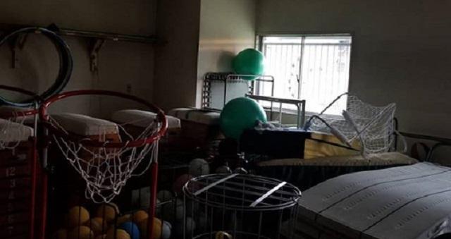 """【鬼畜】「体育倉庫のマットの上で""""処理""""させられて……」→ 教師によるスクールセクハラ被害者たちが声をあげた!その内容とは・・・"""