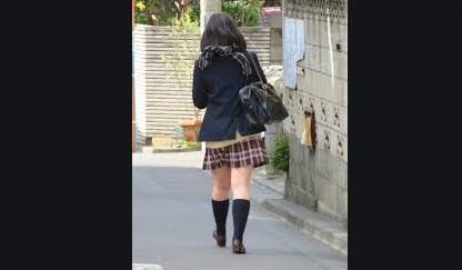 【悲劇】某サイトで知り合った男と自宅でトンデモナイことをしている最中に、中学生の娘が帰宅して・・・