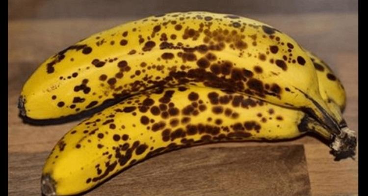 【驚愕】茶色い斑点が出たバナナを毎日2本づつ一ヶ月食べ続けた結果 → 身体に驚愕の変化が・・・