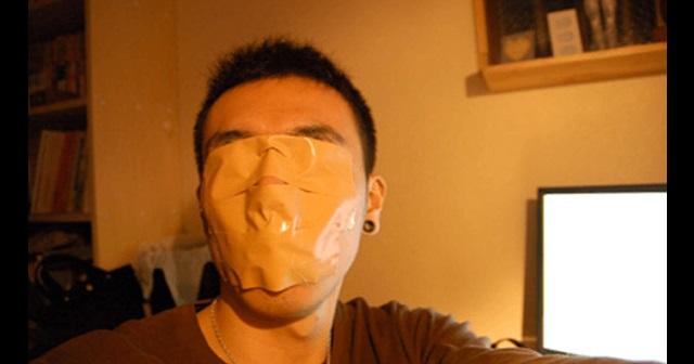 【驚愕】口にテープを貼って半年間寝たら → 顔に現れたまさかの整形を超える効果とは・・・!?